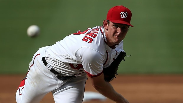Weight room accident lands Stephen Strasburg on disabled list -- IMAGE
