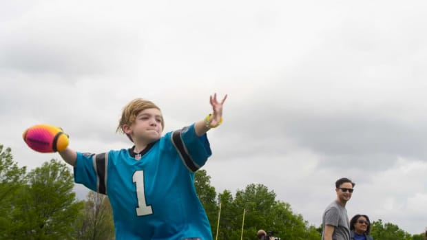 Cam Newton grants Make-A-Wish to young Panthers fan - IMAGE