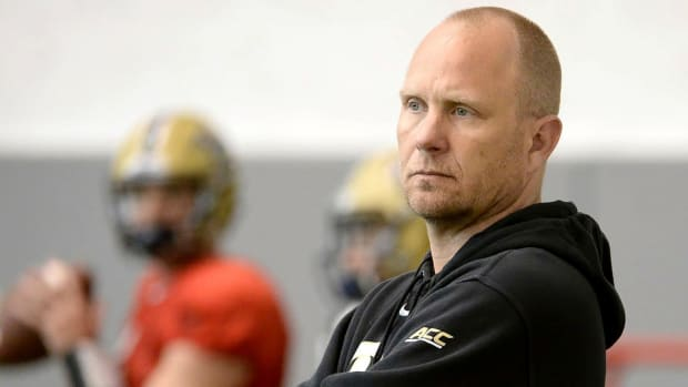 LSU hires Pittsburgh's Matt Canada as offensive coordinator - IMAGE