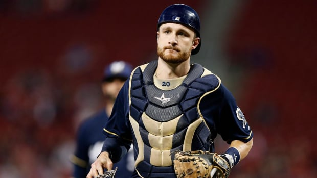 Brewers C Jonathan Lucroy vetoes trade to Indians--IMAGE
