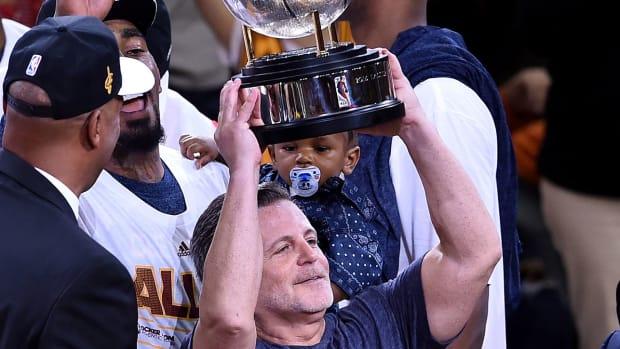 dan-gilbert-championship-rings-cavaliers.jpg