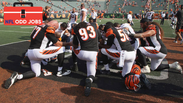 bengals-team-chaplain-lamorris-crawford-odd-jobs.jpg