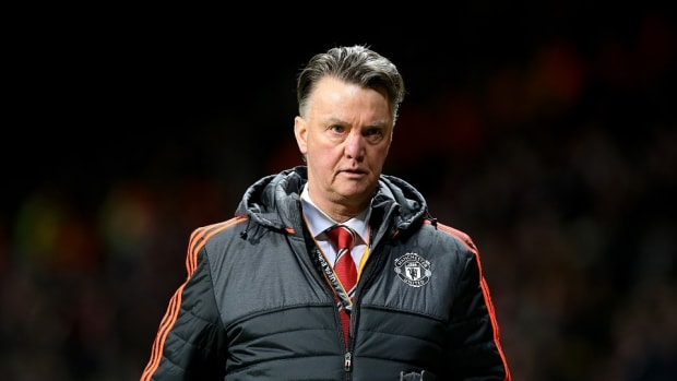 manchester-united-louis-van-gaal-diving-video.jpg