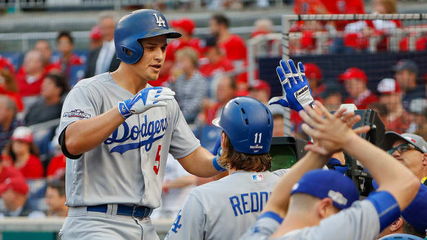 dodgers-beat-nationals-seager-game-1.jpg