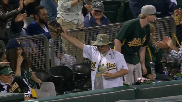 oakland-athletics-fan-steals-beer-video.png