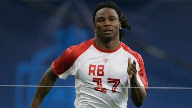 2016 NFL combine boasts contenders to break 40-yard dash record -- IMAGE