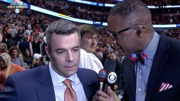 Meet Virginia basketball manager Austin Diduch, a chin-rubbing campus celebrity
