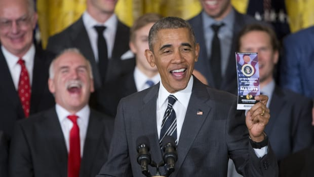 obama-blackhawks-white-house-visit.jpg