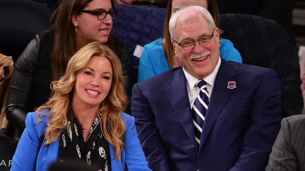 Phil Jackson, Jeanie Buss end engagement - IMAGE