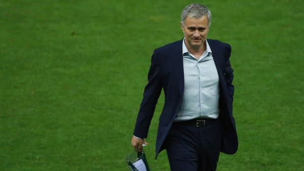manchester-united-jose-mourniho-no-deal.jpg