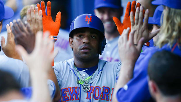 Report: Mets will re-sign Yoenis Cespedes on four-year, $110 million deal IMAGE