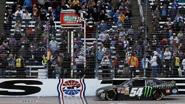 NASCAR-finish-fort-worth-star-telegram.jpg
