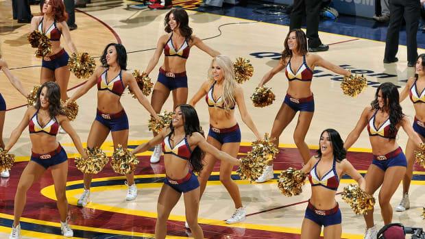 Cleveland-Cavalier-Girls-522722654.jpg