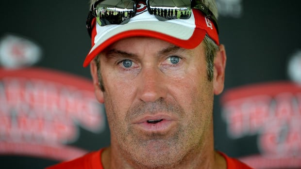 Report: Eagles hire Chiefs OC Doug Pederson as head coach--IMAGE