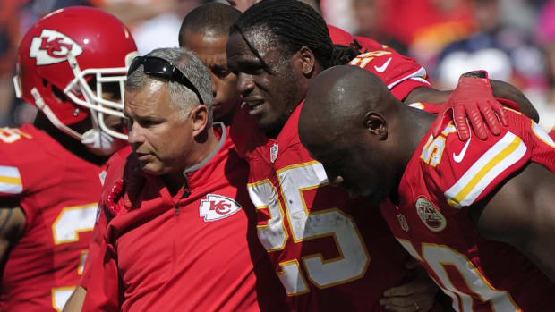 Chiefs RB Jamaal Charles shows off in rehab video -- IMAGE