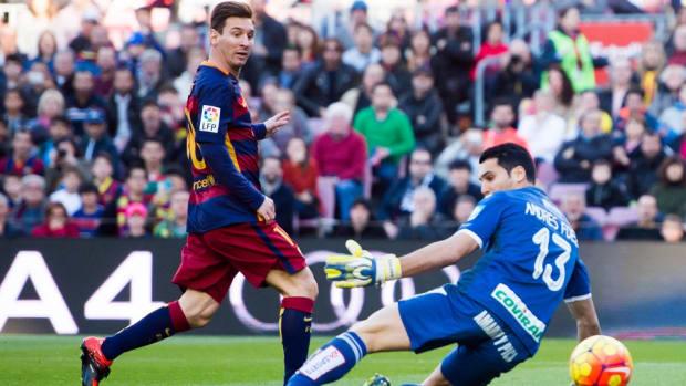messi-hat-trick-granada-barcelona-video.jpg