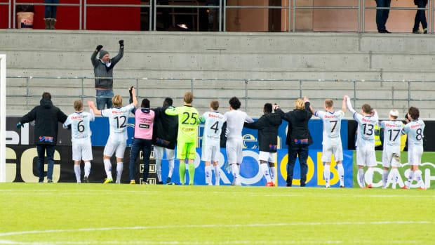swedish-soccer-team-one-fan-gefle-if-video-photo.jpg