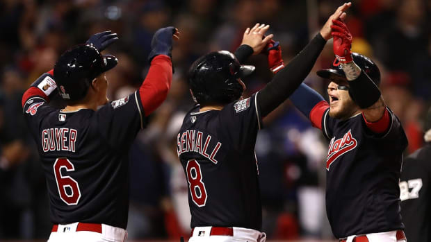 Indians shutout Cubs to take 1-0 World Series lead - IMAGE