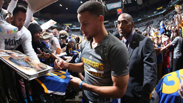 ralph-walker-steph-curry-warriors.jpg