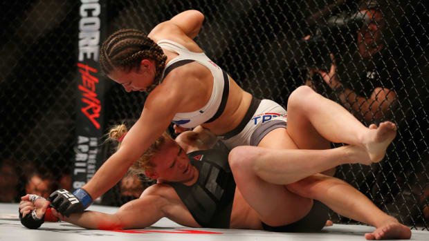 holly-holm-miesha-tate-ufc-196.jpg
