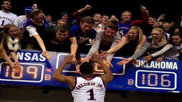 Kansas edges Oklahoma in triple-OT thriller - IMAGE