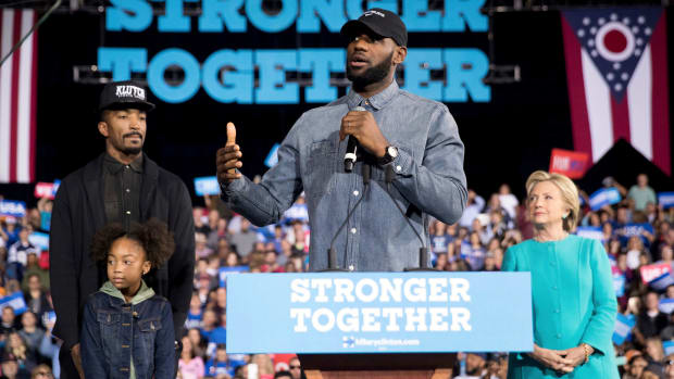 lebron-james-jr-smith-hillary-clinton-cleveland-rally.jpg