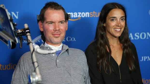 Current and former NFL players reflect on Steve Gleason's battle - IMAGE