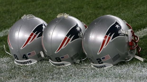 nfl-patriots-helmets.jpg