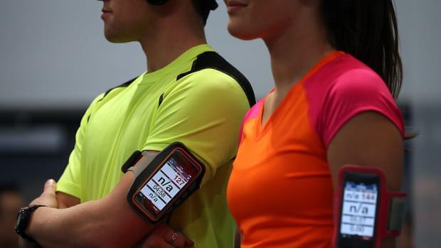 tech-iphone7-fitness-accessories-lead.jpg