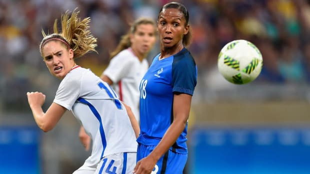 Carli Lloyd gives USA win over France in tightly contested Olympic clash--IMAGE