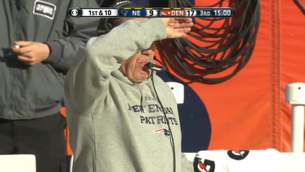 bill-belichick-hoodie-broncos.png