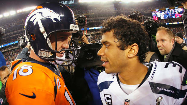 Russell Wilson congratulates Peyton Manning in letter - IMAGE