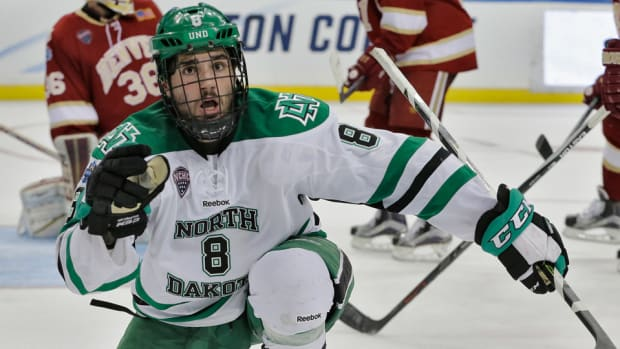 frozen-four-north-dakota-scores-late-vs-denver-national-championship.jpg