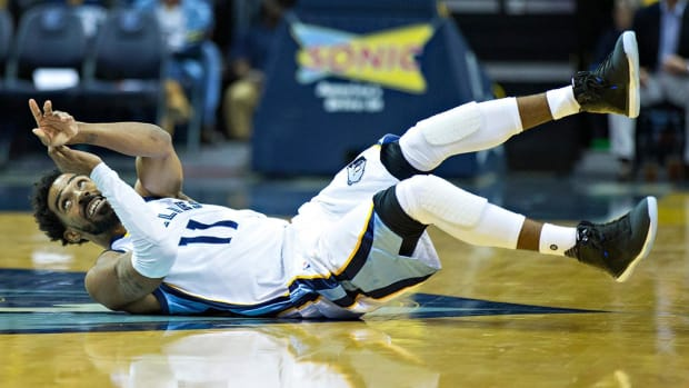 Report: Grizzlies' Mike Conley out six weeks with back fractures - IMAGE
