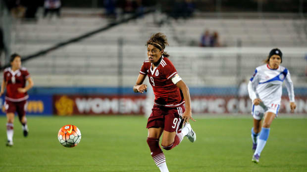 maribel-dominguez-mexico-goal.jpg