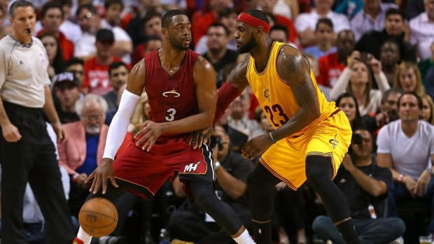 LeBron James wants to play Dwyane Wade in playoffs - IMAGE