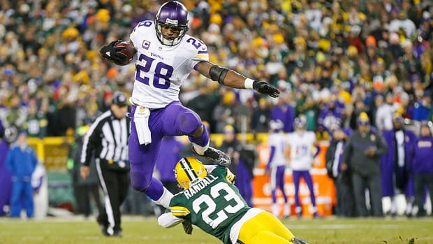 adrian-peterson-vikings-aaron-rodgers-green-bay-packers.jpg