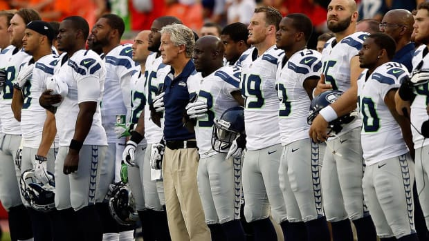 Seahawks will interlock arms during national anthem -- IMAGE