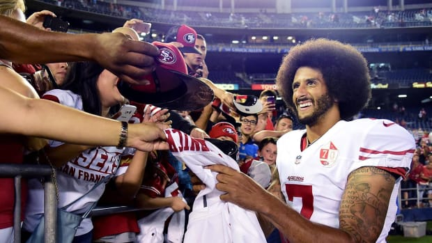Colin Kaepernick to donate jersey sale proceeds to communities - IMAGE