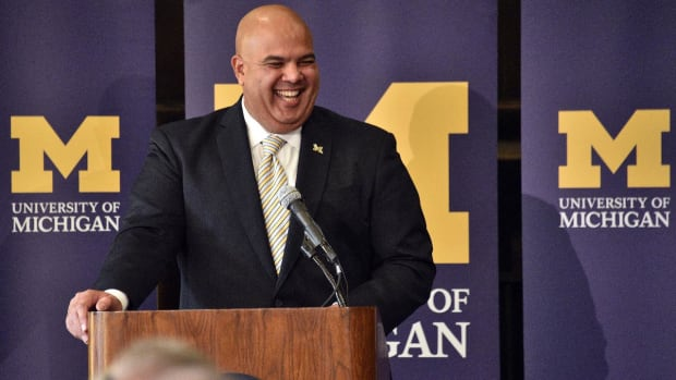 Michigan AD open to scheduling Notre Dame football games in future--IMAGE
