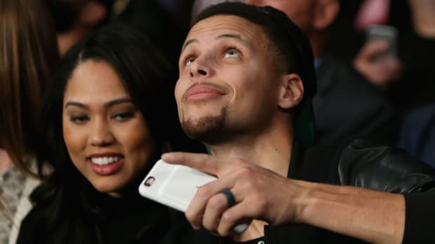 stephen-curry-ayesha-curry-wifi-finals.jpg
