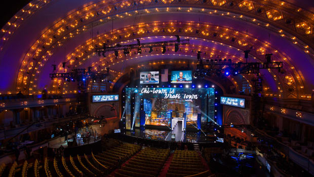 nfl-draft-trades-rumors-roundup.jpg
