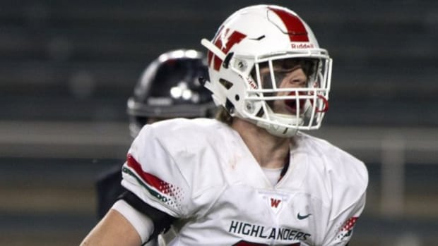 texas-high-school-player-intensive-care.jpg