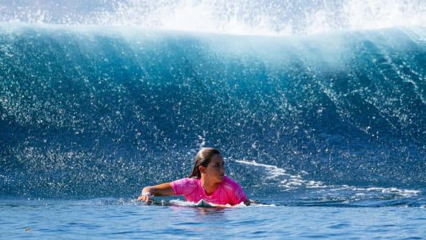 courtney-conlogue-uso-surfing-lead.jpg
