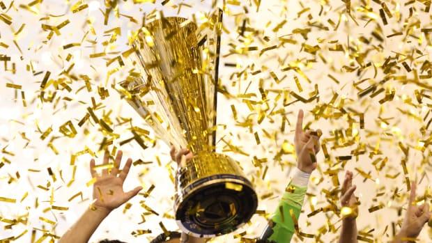 gold-cup-trophy-2017-sites.jpg
