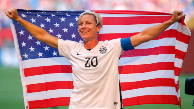 usa-abby-wambach-donate-brain.jpg