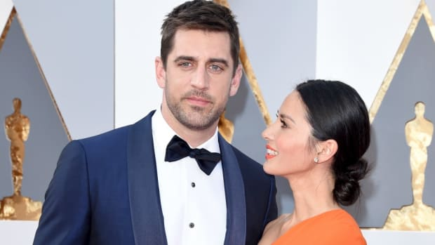 green-bay-packers-aaron-rodgers-olivia-munn-oscars-red-carpet.jpg
