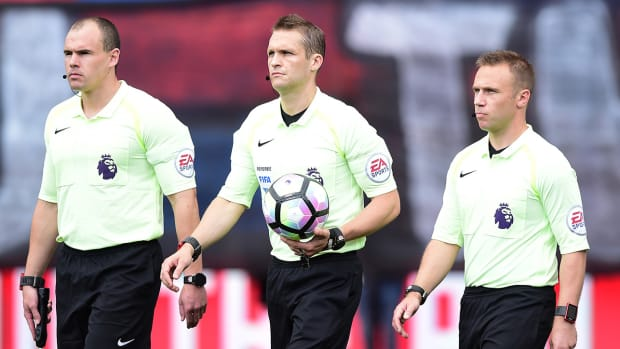 english-premier-league-referees-smartwatches.jpg