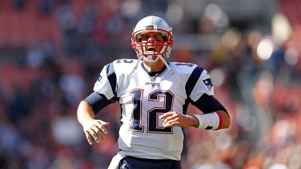 Tom Brady passes for 406 yards in return--IMAGE