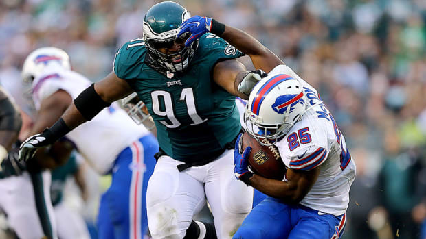 fletcher-cox-eagles-contract-extension-training-camp.jpg